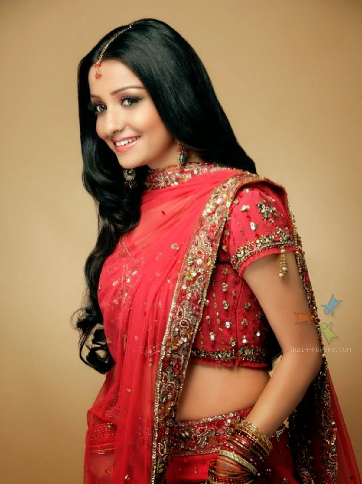 Discussion on this topic: Loni Love, chhavi-pandey-2011/