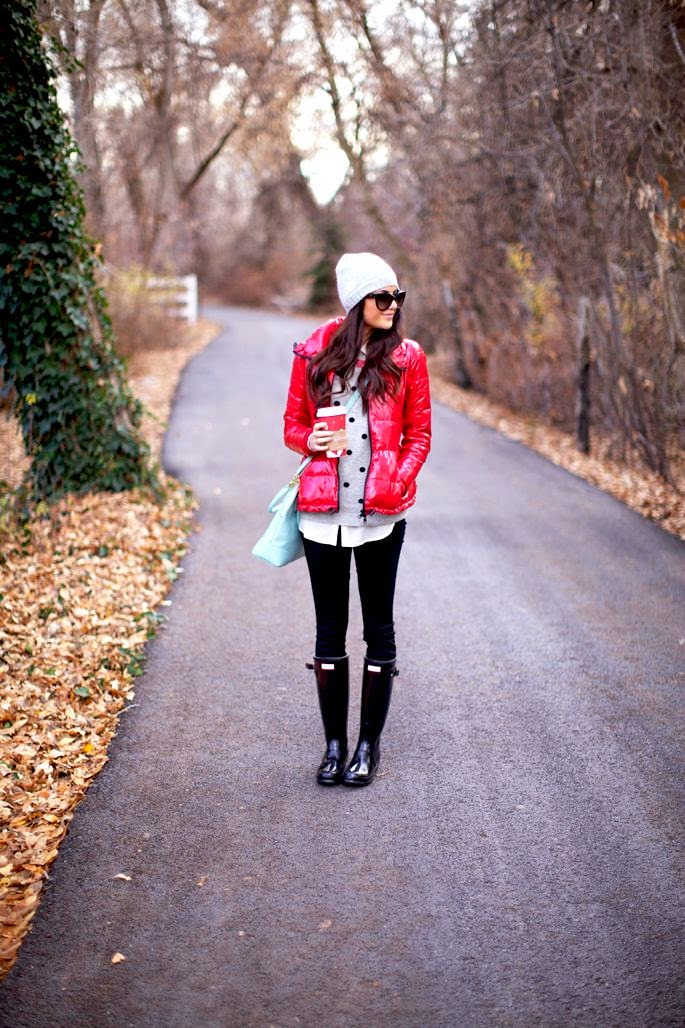 Try a polka dot sweater with black skinny jeans, black boots and a warm beanie
