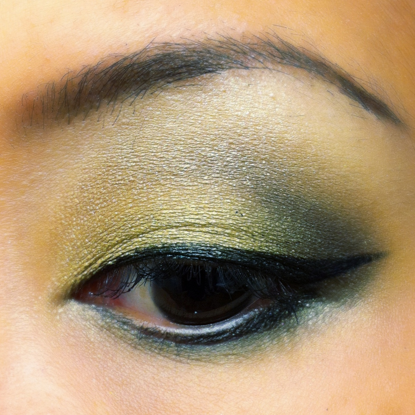Style by cat goldeneye crease shading for asian and non asian as much as this is about doing a gold toned shadow tutorial this is also about defined crease shading a technique that is rather new to me baditri Image collections