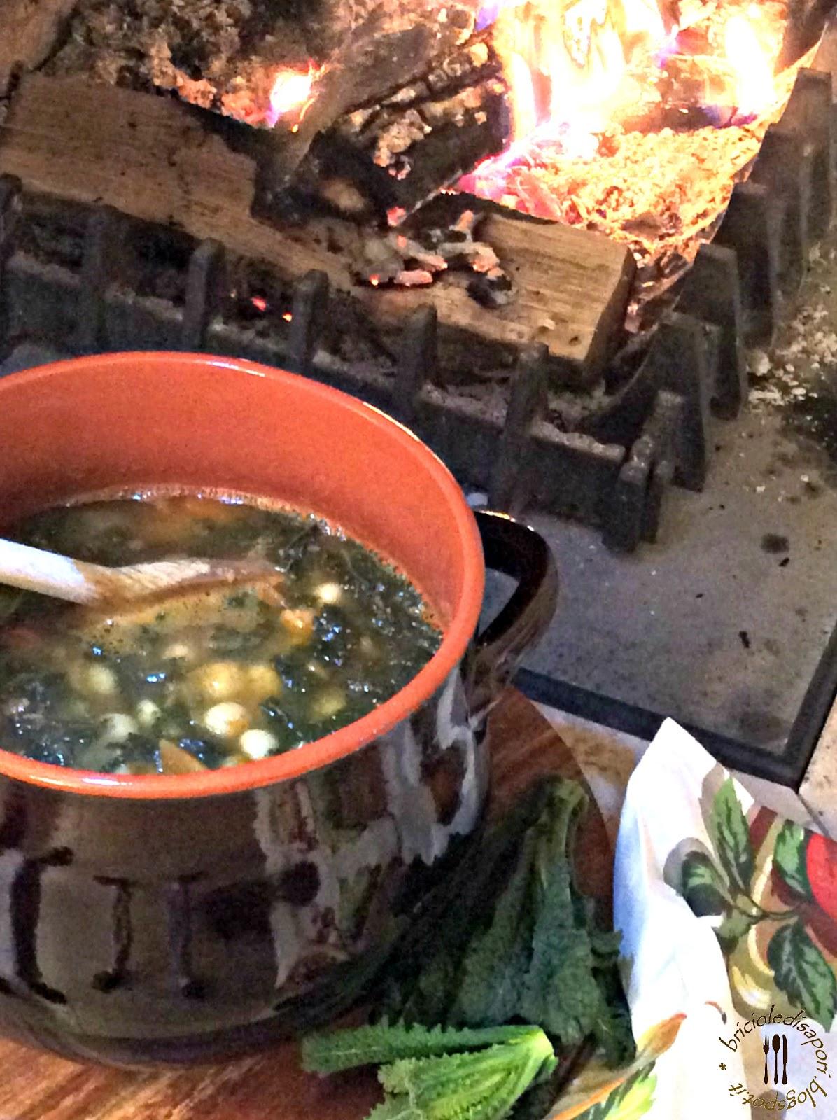 zuppa con cavolo nero, fagioli zolfino e pancetta tostata. un pezzo di toscana nella mia cucina