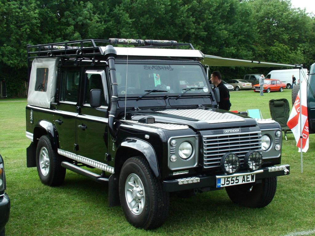 oturga l g t rge ler land rover defender 110 double cab pick up part 2. Black Bedroom Furniture Sets. Home Design Ideas