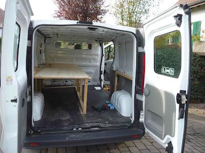 sports spots surfbus. Black Bedroom Furniture Sets. Home Design Ideas