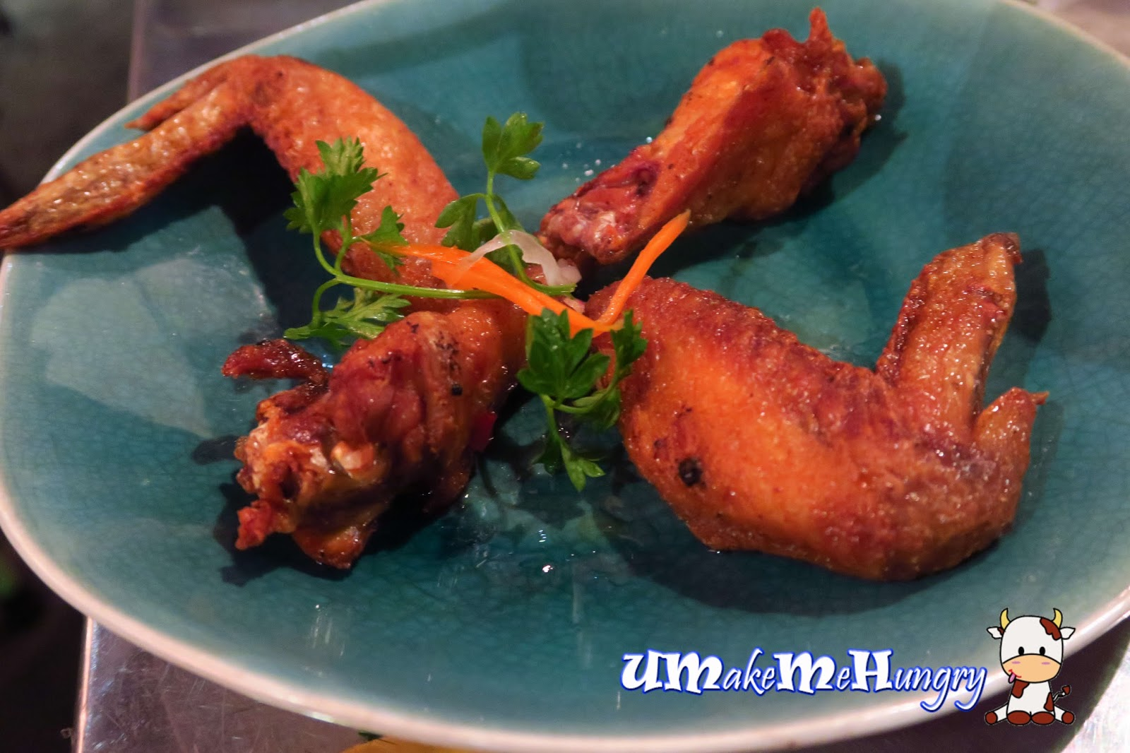 Fried chicken wings in fish sauce for Fish and wings