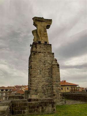 Monumento a Juan Sebastián Elcano en Getaria
