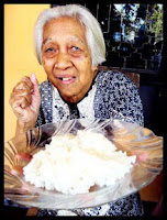 Grandma give me a plate of white rice