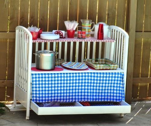 Reutilizar y reciclar cuna de bebe en un mueble auxiliar cocina
