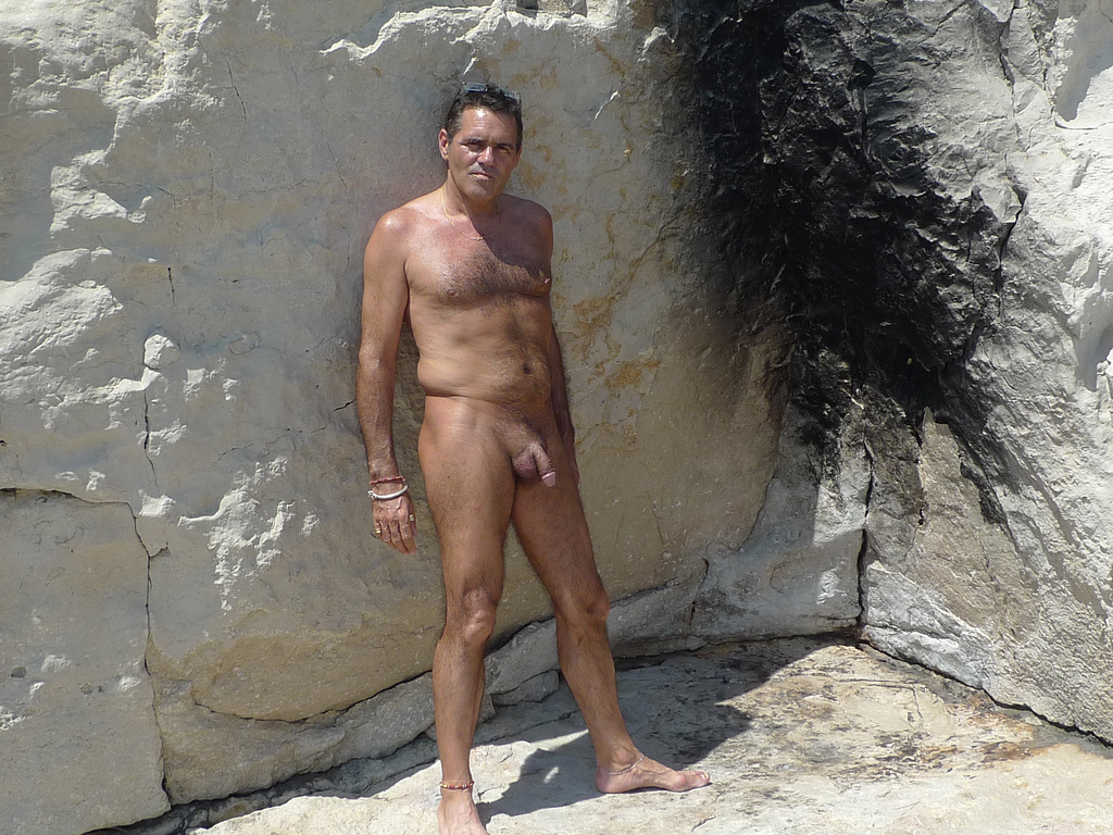 French nudist  Nudist from Paris