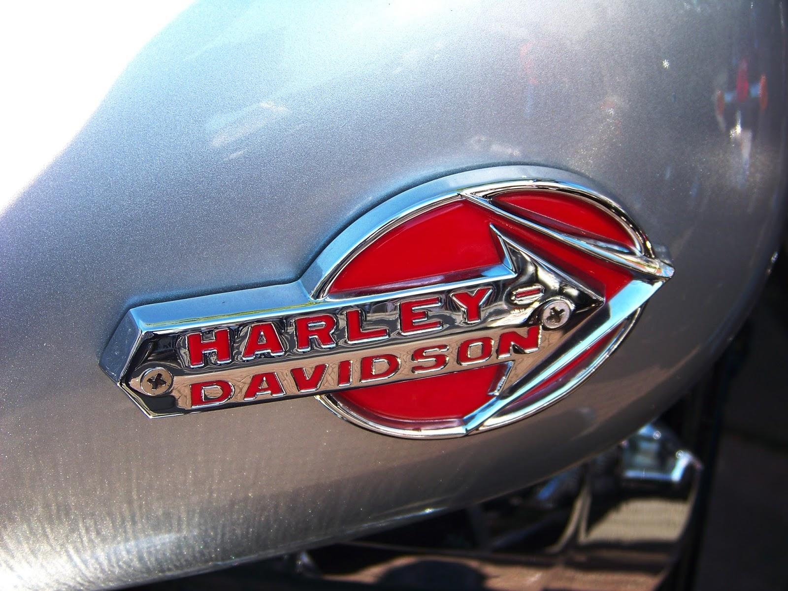Harley Davidson tank logo's