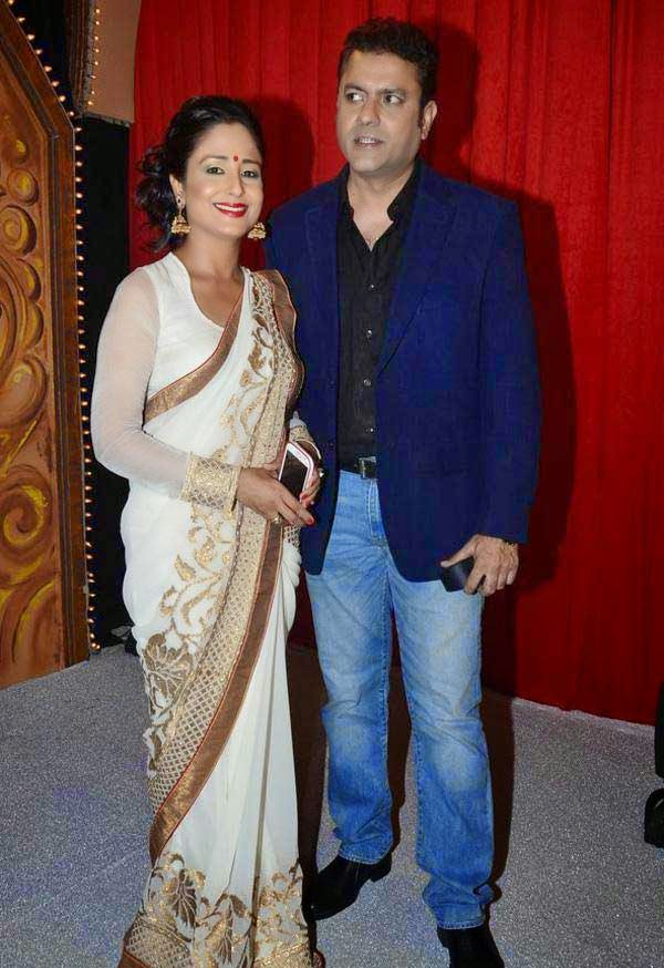 Lata Sabharwal and Sanjeev Seth At The Star Parivaar Awards 2014