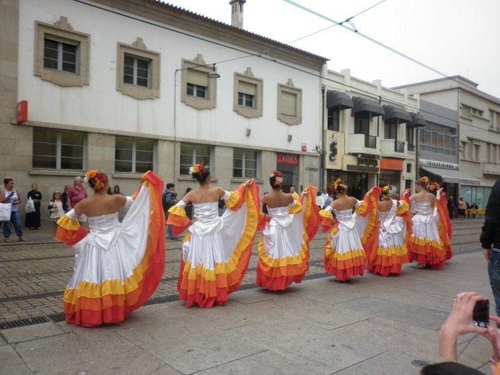DANZAS FOLKLÓRICAS DE COLOMBIA