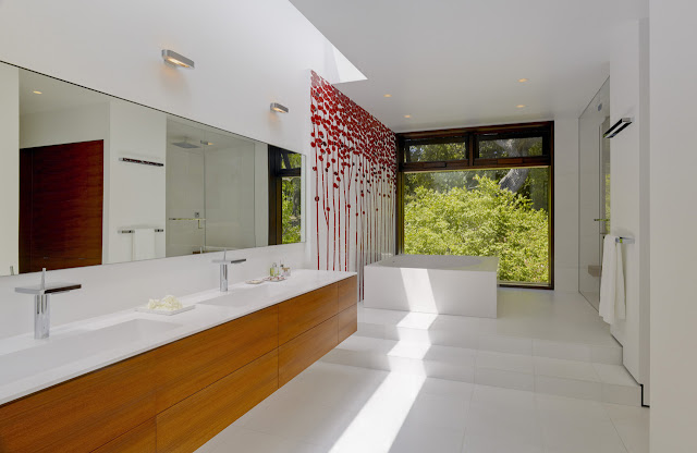 Modern white bathroom in the Oz House in Silicon Valley