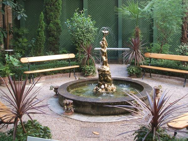 Paisaje libre: café del jardín del museo del romanticismo