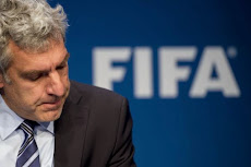 PORTUGUÉS: CORRUPÇÃO NA FIFA »