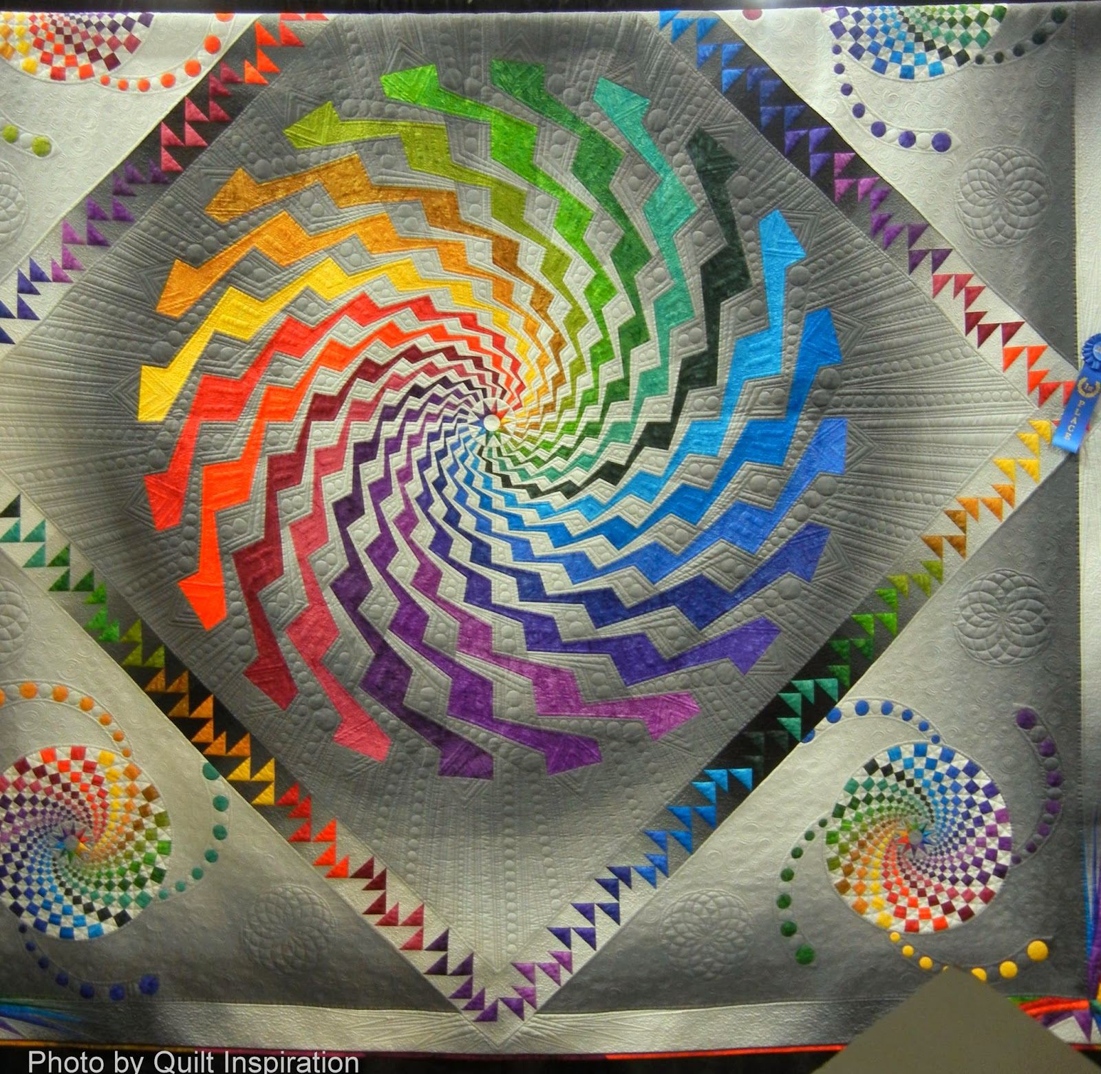 Quilt Inspiration: January 2014 : spiral quilts - Adamdwight.com