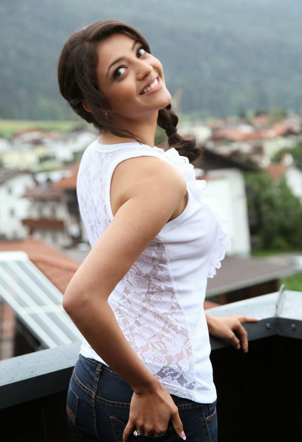 Kajal+Agarwal+Photo+In+White+Top+Dress001