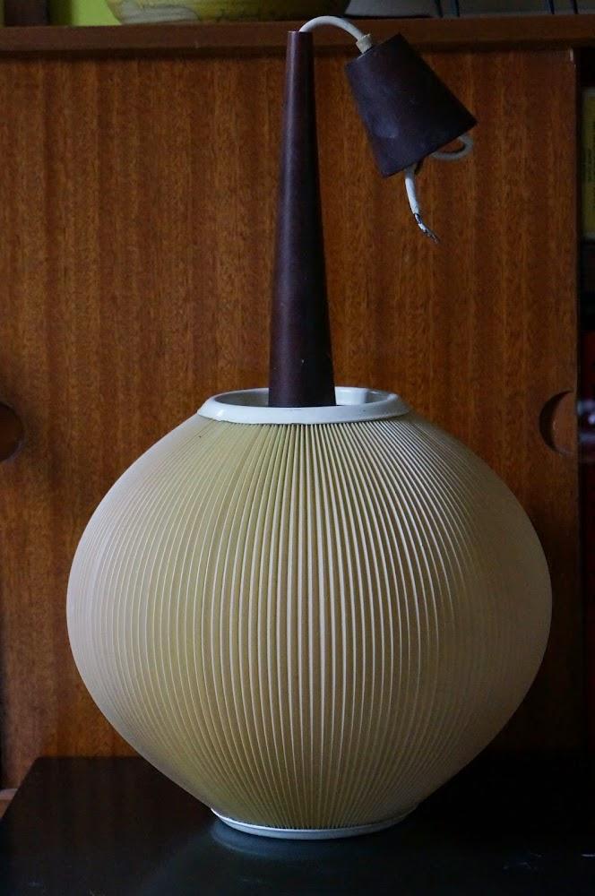 brocante , yard garage sale , wooden viking , vintage 70s bracelet bangle , jean Arp les Platres , 50s lamp , 1950 1960 1970 60s
