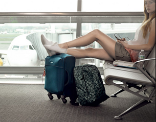 relaxing vacation with Carry Samsonite Suitcases