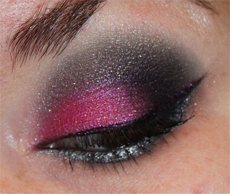 Sparkling Luna: EOTD : Dramatic Holiday Look : WnW Spoiled
