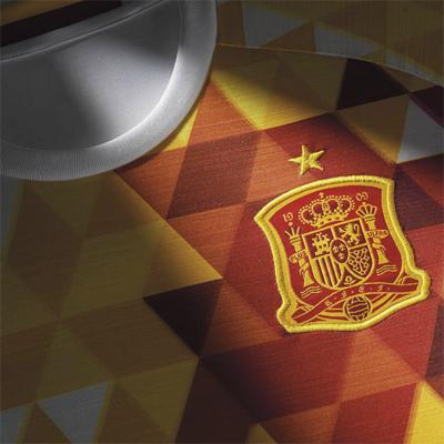 escudo camiseta segunda equipación selección española de fútbol Euro 2016