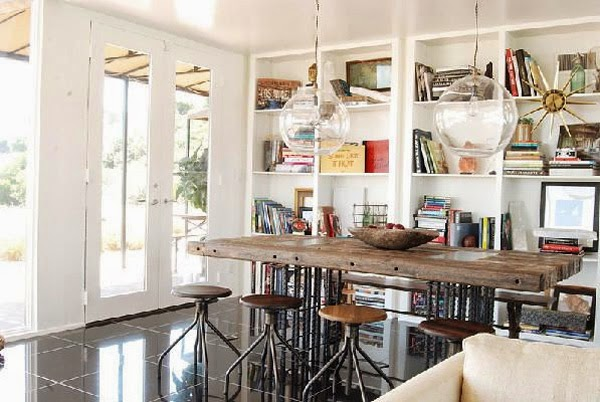 Los interiores con estilo de jeremiah brent the stylish for Comedor con taburetes