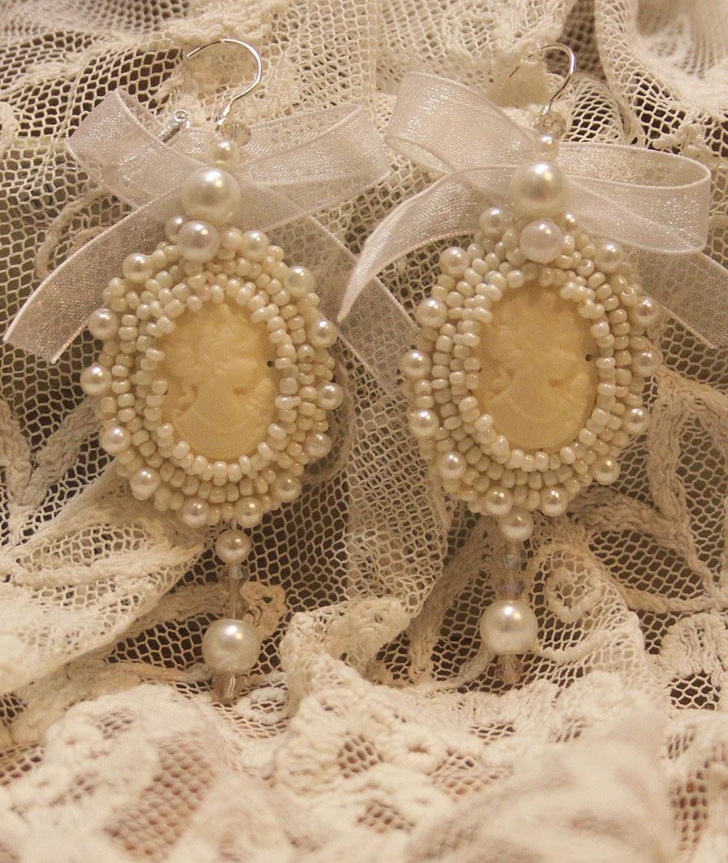 белые серьги на свадьбу