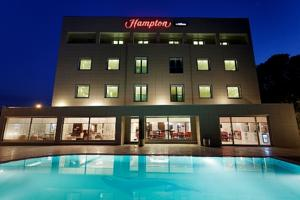 hampton-by-hilton-otel-ordu-açık-yüzme-havuzu