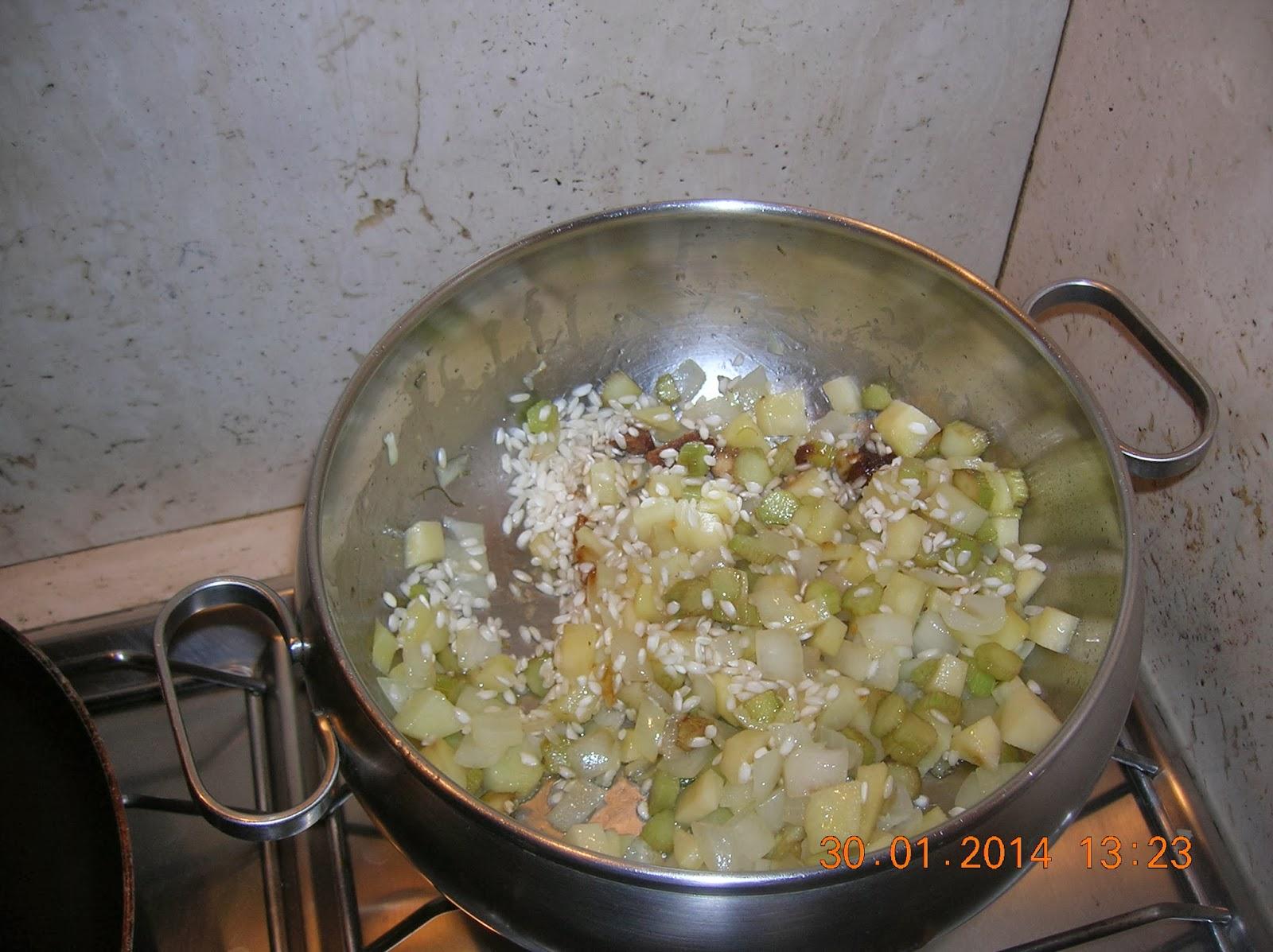ricette di riciclo: finto riso con carcioffi e patate- tortino con foglie  di scarto della   lattuga e scarola