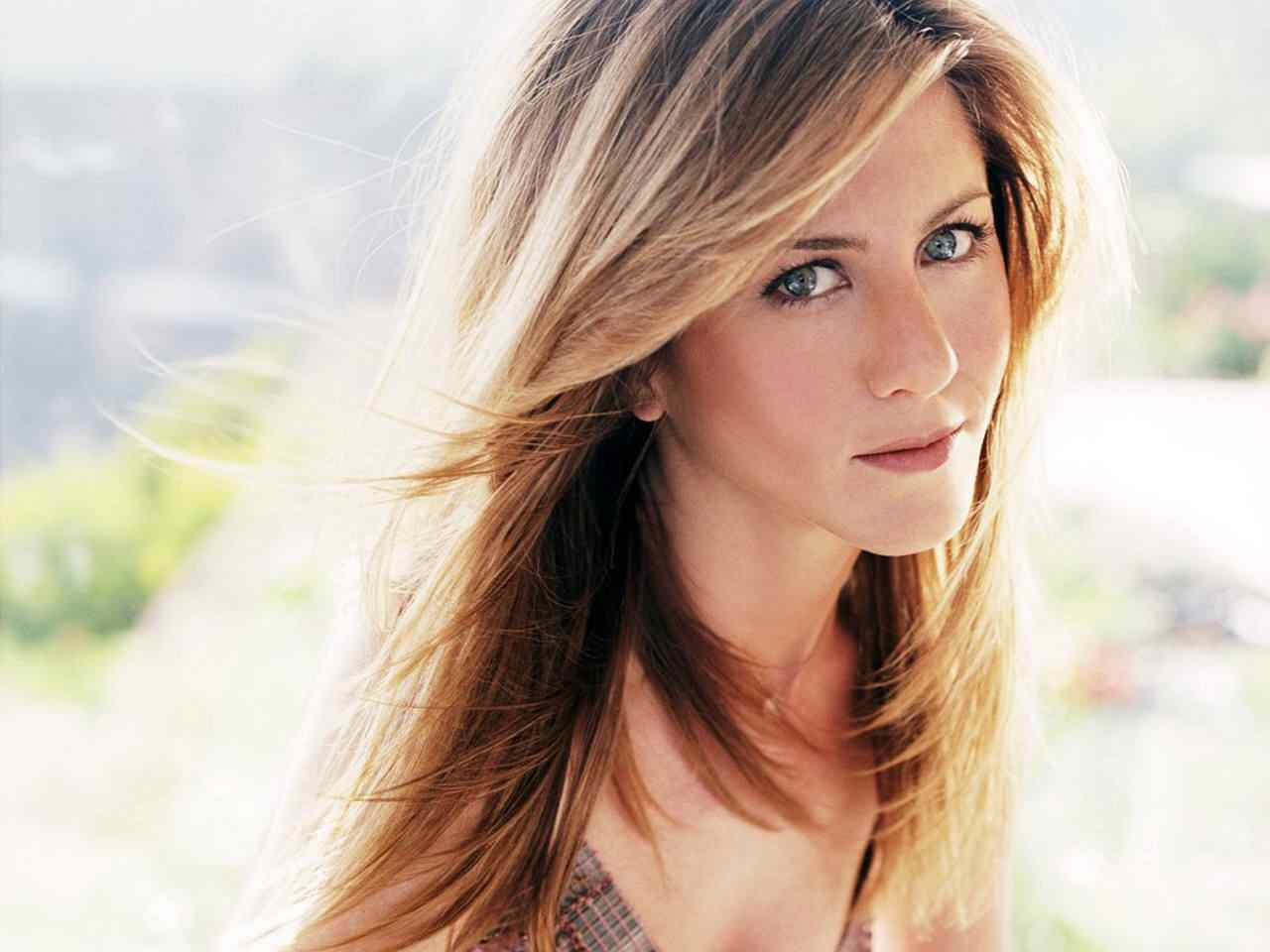 http://2.bp.blogspot.com/-mslKFMy1Kkc/Th6FR7i6CaI/AAAAAAAAHWY/lIjVhmrE4Kc/s1600/Jennifer+-Aniston-21.jpg