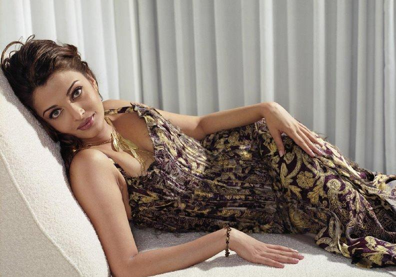 Sexy Bollywood Actresses Scandals