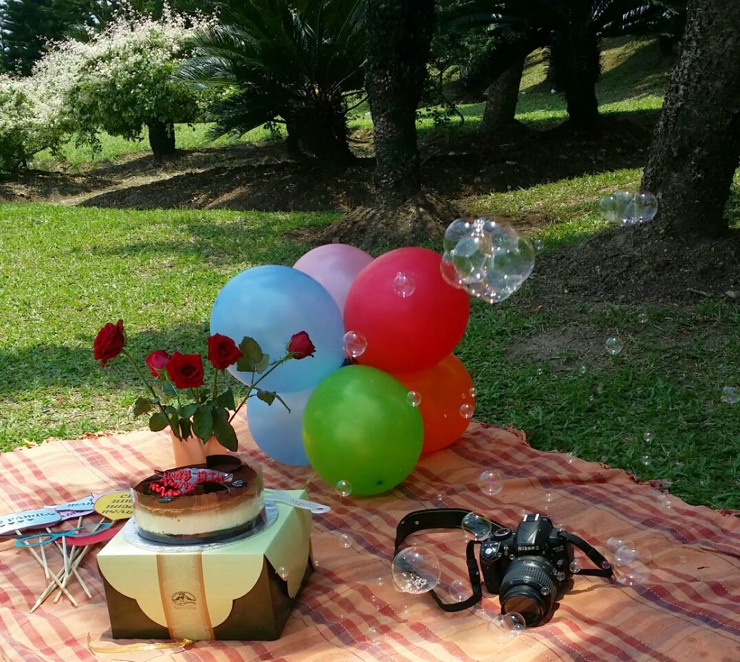 mrs secretary photoshoot anniversary gambar romantik berdua