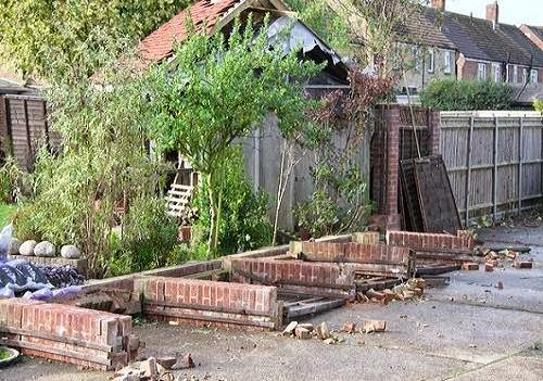 Hayling_Island_tornado_damage_photo