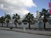 Mbyllen 80 Xhami nga Qeveria në Tuniz