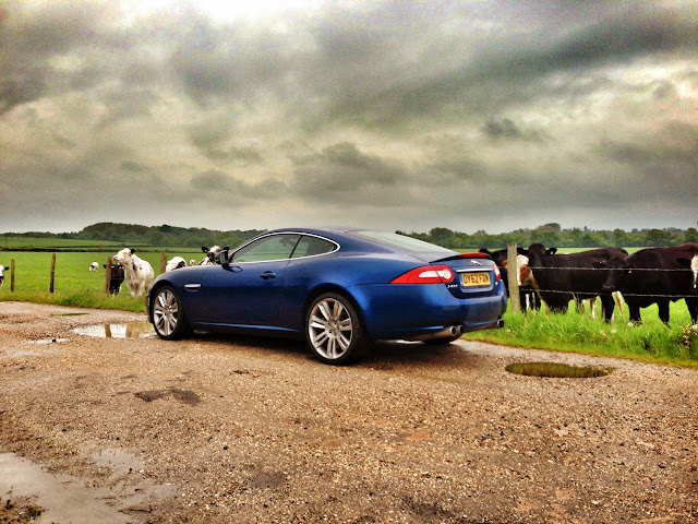 Jaguar XKR in Kyanite Blue