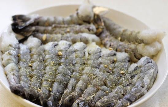 Cách làm tôm tẩm cốm chiên giòn rụm, ngon 2
