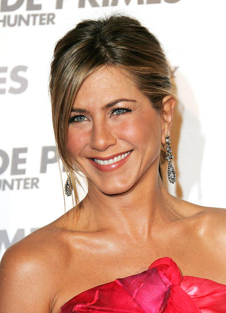 "jennifer aniston 2011 oscars. 2009: Aniston starred in ""He#39;s"