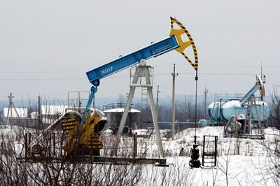Фото Укринформ: добыча нефти.