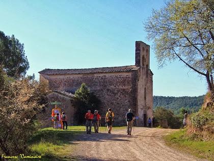 """Arribant a l'església de Santa Maria de Merola. Autor: Francesc """"Caminaire"""""""
