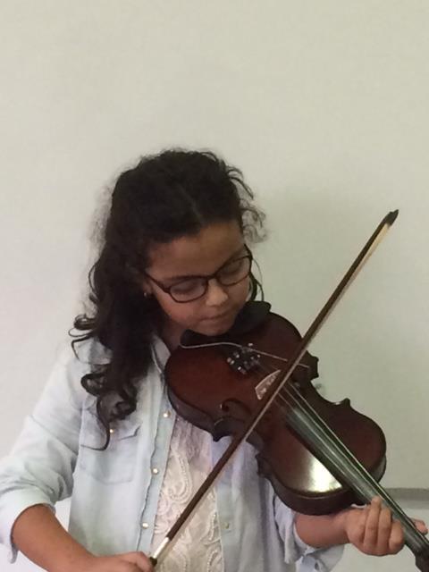 Nuestra violinista, Julieta Vega