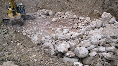 Placer Gold Mining Techniques: sorting out the boulders