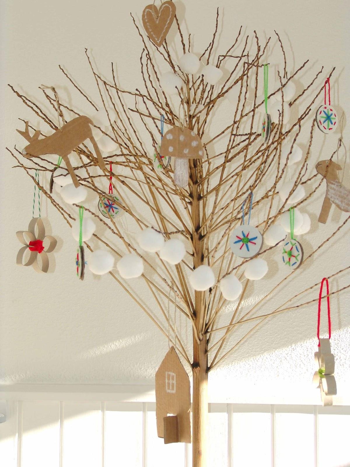 Lalibelula arbol de navidad reciclado - Como decorar un arbol seco ...