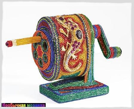 Кроме плетения бисером, Кэти и Томас Вегман увлекаются коллекционированием раритетного бисера.
