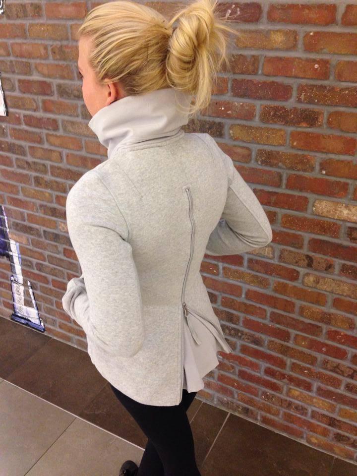 lululemon en route jacket