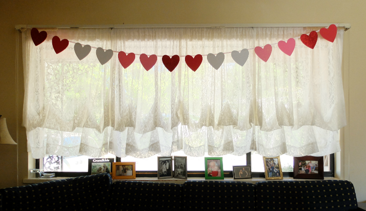 quick and easy heart banner for Valentine's Day