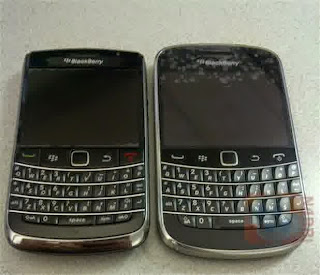 perbandingan blackberry bold torch