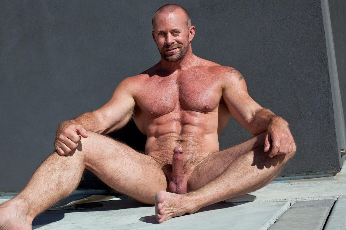 mature nude muscle gay
