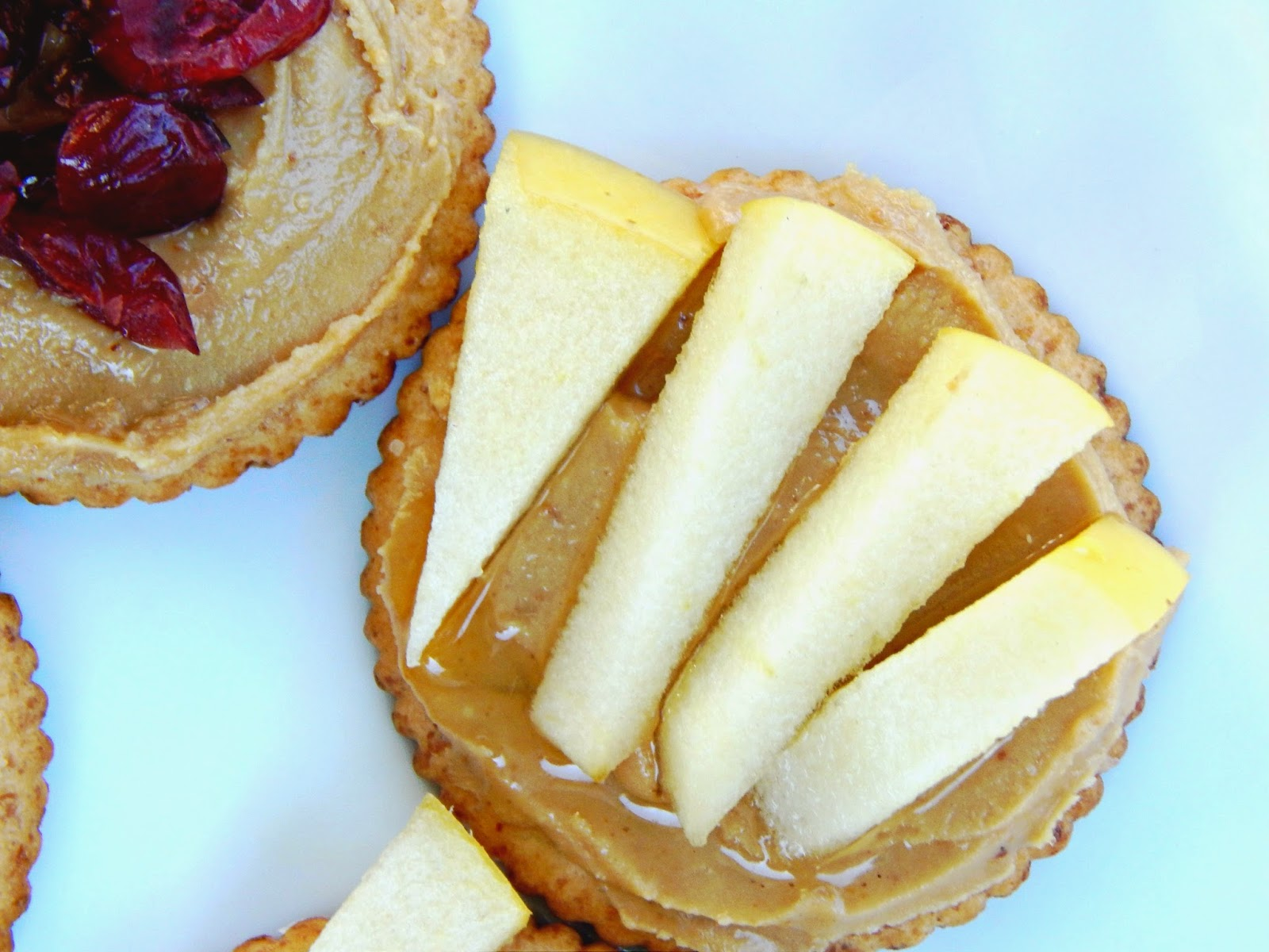 Peanut Butter and Apple RITZ® Bites #PutItOnARitz #ad @walmart