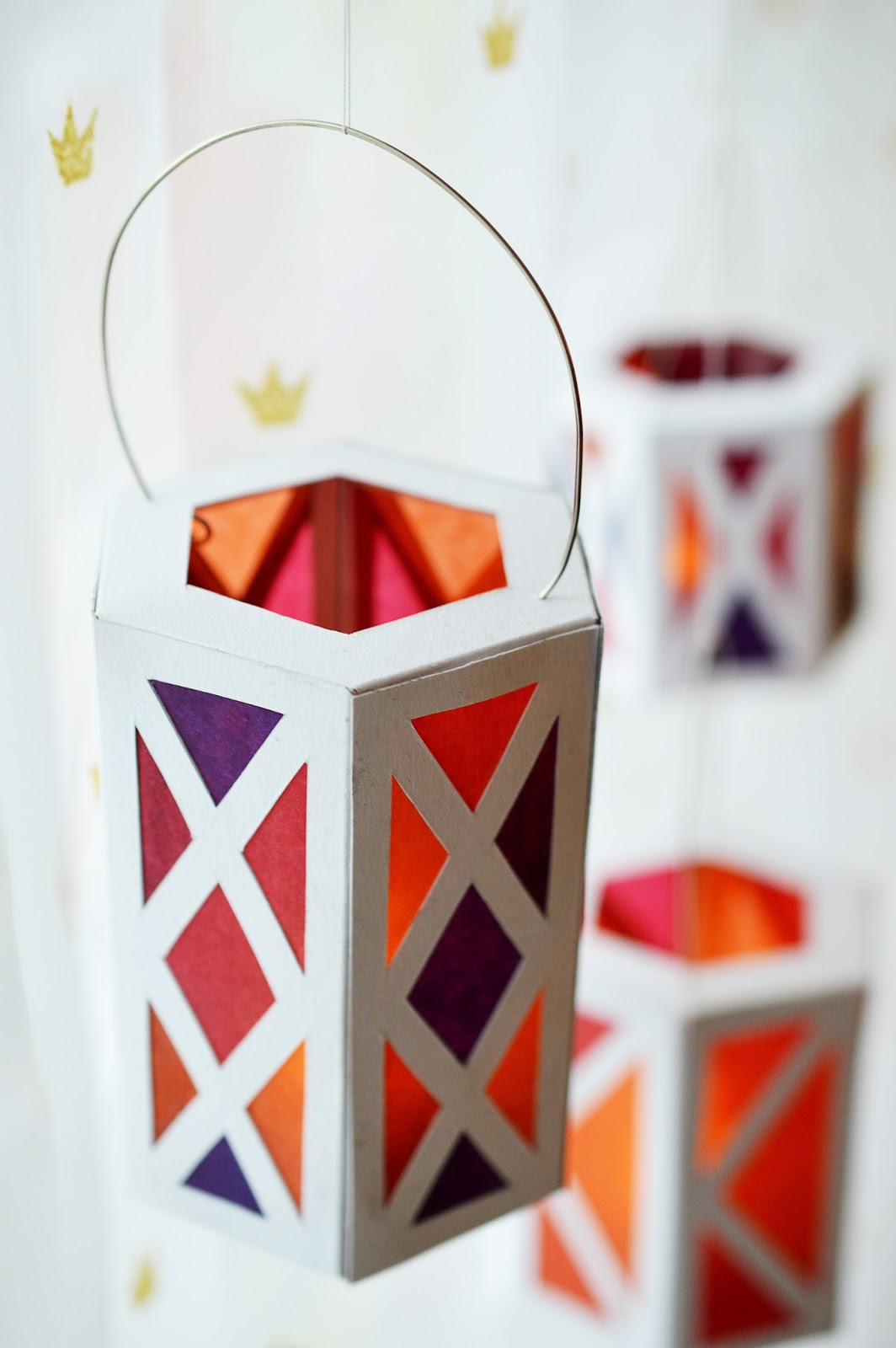 how to make lantern with craft paper