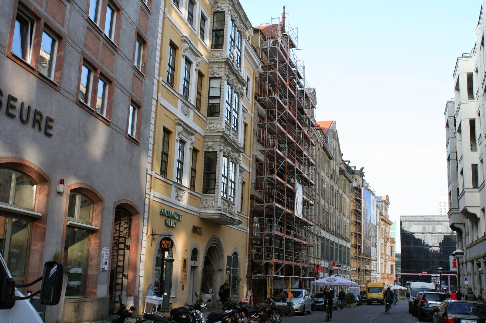 Katharinenstrasse links Fregehaus unten die Höfe am Brühl