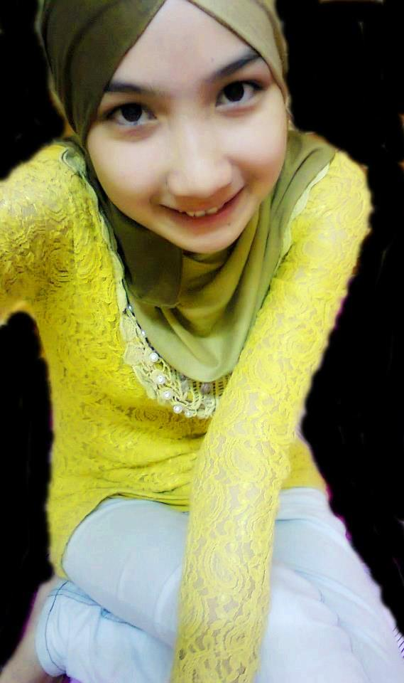 HOT Ngentot Gambar Bogel Aksi Gadis Tudung Melayu Lucah Pic 31 of 35