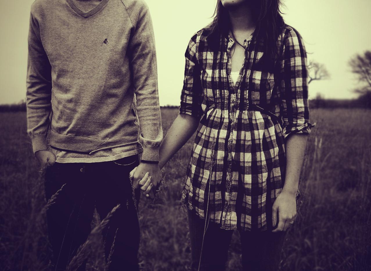 Фото на аву парень с девушкой держатся